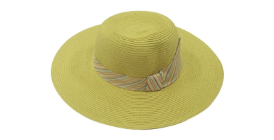 Chapéu de palha com faixa de listras coloridas. Riachuelo cfa258f6281