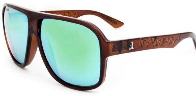Apostar nos óculos de sol pode ser uma boa saída para quem quer se  diferenciar no meio da multidão! 1f0ed3e794