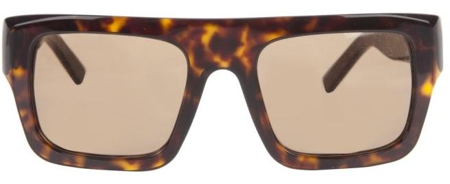 Óculos de sol Balenciaga com armação e lentes na cor marrom, R  1.140, na  Farfetch – http   www.farfetch.com.br b0327d6e1a